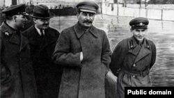 """Лицом к событию. Сталин и Путин: """"в этом государстве нет места человеку"""""""