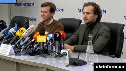 Антон Раднянкоў і Іван Краўцоў на прэс-канфэрэнцыі ў Кіеве 8 верасьня