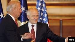 Потпретседателот на САД Бајден и претседателот на Косово Сејдиу