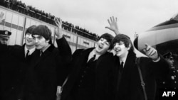 """Битлз"" в аэропорту Нью-Йорйка, 7-е февраля 1964 года"