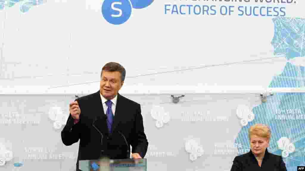 Президент України Віктор Янукович і президент Литви Даля Ґрібаускайте