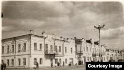 Здание совета депутатов, за которое, по словам краеведа Веря Яворской, сражались венгерские коммунисты и чешские легионеры. Фото сделано в первой половине 20-го века.