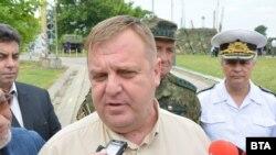Министърът на отбраната Красимир Каракачанов