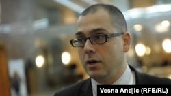 Optuživanje i razvlačenje sindikalista po tabloidima: Aleksandar Radić