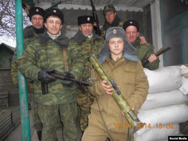 16-річний Вадим Шніп, озброєний РПГ-18