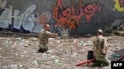 Разбор завалов в Тбилисском зоопарке, фото AFP