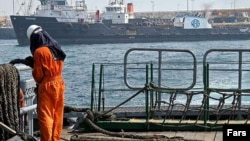 ترمینال نفتی ایران در جزیره سیری