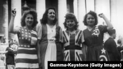 Святкування Перемоги над нацизмом у 1945 році по всьому світу – фотогалерея архівних світлин