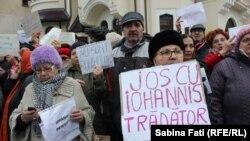Protest împotriva președintelui Klaus Iohannis la Palatul Cotroceni