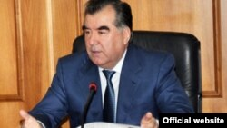 Президент Таджикистана Эмомали Рахмон. Душанбе, 1 января 2012 года.