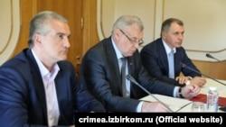 (Слева направо) Сергей Аксенов, Михаил Малышев и Владимир Константинов