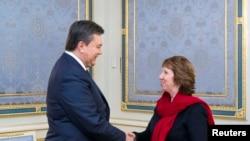 Viktor Ianukovici şi Catherine Ashton, 29 ianuarie 2014