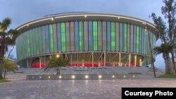 Black Sea Arena откроется 30 июля концертом Кристины Агилеры, в течение лета там же состоятся концерты Ванессы Мэй и группы Scorpions. Выступления зарубежных звезд также будут оплачены за счет средств фонда «Карту». Фото: ajaratv.ge