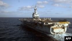 "Французский авианосец ""Шарль де Голль"" у берегов Ливии. Иллюстративное фото."