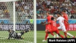 Անգլիայի հավաքականի հարձակվող Հարրի Քեյնը գրավում է Թունիսի թիմի դարպասը, Վոլգոգրադ, 18-ը հունիսի, 2018թ․