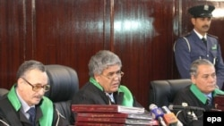 Болгарские наблюдатели считают, что ливийские судьи (на снимке) получили установку скопировать процесс по делу Локерби
