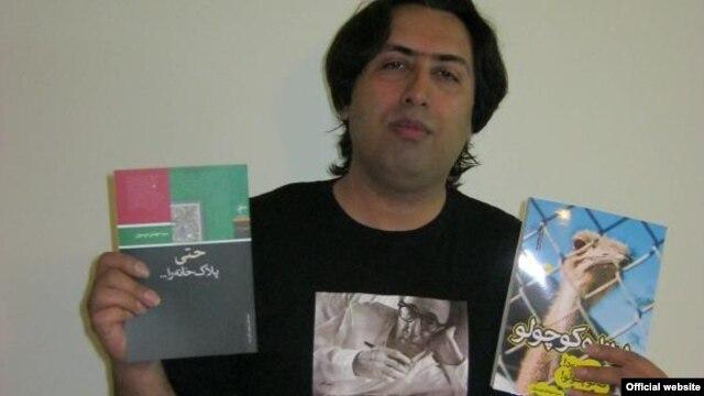 مهدی موسوی، شاعر و ترانهسرا، که در دادگاه انقلاب تهران به ۹ سال زندان و شلاق محکوم شده بود، از چند ماه قبل ایران را ترک کرده است