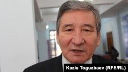 Жазушы әрі қоғам төрағасының орынбасары Бейбіт Қойшыбаев. Алматы, 24 желтоқсан 2014 жыл.