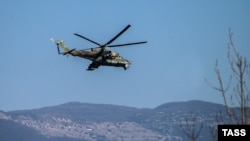 """Архива: хеликоптер """"Мил Ми 24"""" во Сирија."""