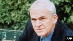 Milan Kundera, 2002