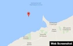 Каркіницька затока, де батут із Дорошенком підібрали російській морські прикордонники (ілюстрація з Google-maps)