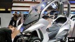 """Концепт-скутер """"Пежо"""" - одна из новинок, представленных в Женеве"""
