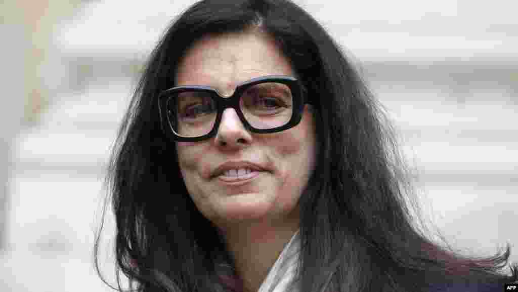 L'Oreal косметикалық компаниясын мирасқа алған Франсуаза Бетанкур-Майерс - әлемдегі ең бай әйел.Forbes тізімде 15-орында тұрған оның капиталын 49,3 миллиард долларға бағалаған.
