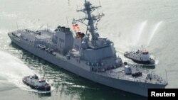 АҚШнинг USS Mason ҳарбий кемаси.