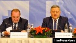 Давид Усупашвили (справа) и Георгий Маргвелашвили на конференции Восточного партнерства в Тбилиси (архивное фото)