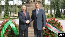 Ислом Каримов 2008 йилнинг сентябрида Бокуга борган эди.