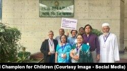 گروه بازنشستگان یونیسف از جمله در بنگلادش خواستار آزاد باقر نمازی شدند