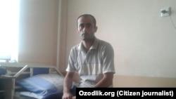 29-летний сельский учитель Ахмад Ниёзимбетов.