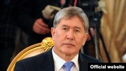 Алмазбек Отамбоев, раиси ҷумҳури Қирғизистон