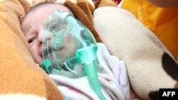 Спасенный младенец Азра Карадуман, Эрджис, 25 октября 2011
