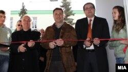Премиерот Никола Груевски пушта во употреба нова спортска сала.