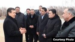 Президент Узбекистана Шавкат Мирзияев посещает Каракалпакстан. Фото: UzLiDeP.
