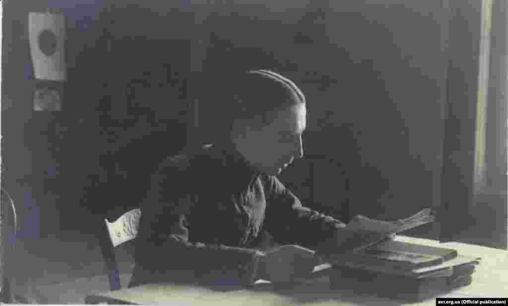 Незважаючи на велику нестачу матеріальних засобів та труднощі, УГА, за оцінками фахівців, була чи не найкращоюармієюсеред тих, що постали на руїнахАвстро-Угорщини. На фото: Командант робітничої сотні УГА ч.5 в Кошице, поручник Стефан Ліщинський, січень 1922 року. Більше світлин можна переглянути на сайті Електронного архіву визвольного руху.