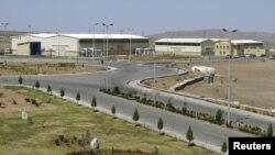 Iran's Natanz uranium-enrichment facility south of Tehran (file photo)