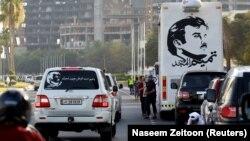 В Катаре изображения эмира Шейха Тамима висят повсюду, как в Чечне - портреты Рамзана и Ахмата Кадыровых.