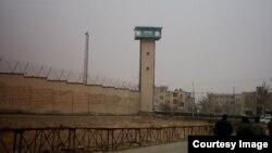 دادستان تهران اعلام کرده است که قوه قضائیه در برابر اعتصاب غذای زندانیان «تسلیم» نخواهند شد.
