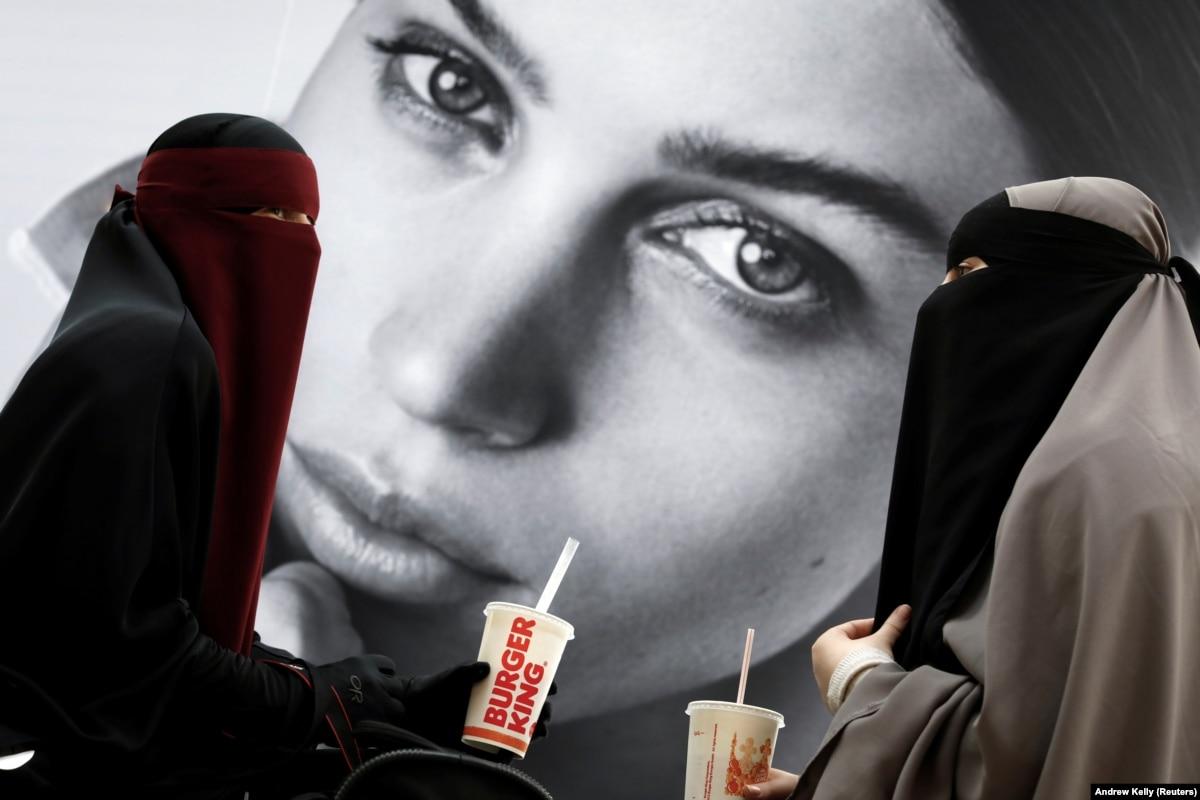 В Нидерландах вступил в силу запрет на «одежду, закрывающую лицо»
