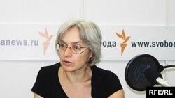 Анна Политковская в студии Радио Свобода, февраль 2006 года