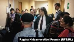 Павел Шмаков в коридоре Вахитовского суда Казани