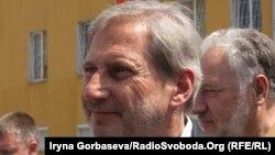 Комиссар ЕС по вопроса расширения и политики соседства Йоханнес Хан (архив)