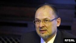 Евро-пратеникот Јелко Кацин.