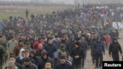 Так называемые военные сборы «резервистов ДНР». Шахтерск, 6 апреля 2017 года