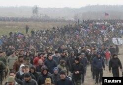 Показові пропагандистські військові збори біля окупованого Донецька. Квітень 2017 року