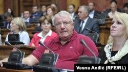 Vojislav Šešelj u parlamentu Srbije , 10. august 2016.