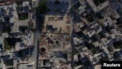 Разьбіты бамбёжкамі Алепа, выгляд зьверху