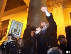 Аляксандар Мілінкевіч на Плошчы-2006